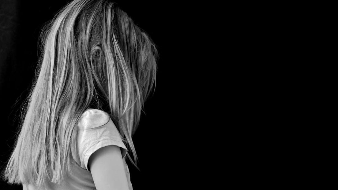 Condenan al hombre que persuadía a sus novias para que abusaran sexualmente de sus propios hijos