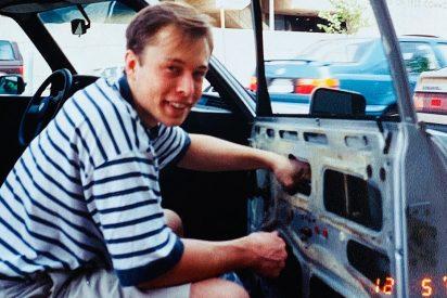 Cuando Elon Musk reparaba su coche con artículos de chatarrería en 1995