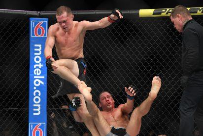 Este luchador noquea a una leyenda de la UFC con una espectacular patada