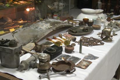 Por primera vez exponen los objetos recuperados de La Guarida del Lobo, el búnker más secreto de Hitler
