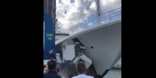 El lujoso yate de un multimillonario choca y destruye una cabina de control de un puente
