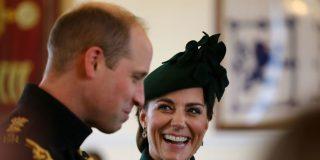 Momento incomodísimo para Guillermo de Inglaterra cuando trataba de manifestar su cariño a Kate Middleton