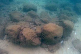 Descubren en Israel el muro de defensa costera más antiguo del mundo