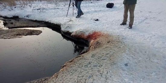 Encuentran este inquietante 'lago de sangre' en un pueblo de Siberia