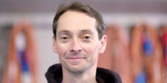 Este es el hombre que logró recuperarse de esclerosis múltiple, una enfermedad incurable, con un tratamiento experimental con células madre