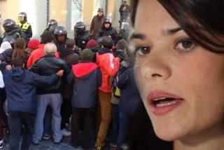 Así fue el violento ataque a la Policía por el que piden cárcel para la podemita Isa Serra