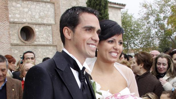 El ciclista Alberto Contador y Macarena Pescador rompen como pareja tras 20 años de matrimonio