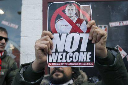 Suspenden a mitad del partido el Rayo Vallecano-Albacete por los brutales insultos de los 'bukaneros' podemitas al ucraniano Zozulya