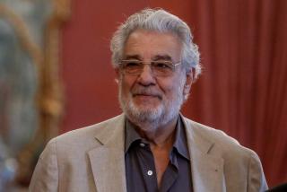"""Plácido Domingo estalla ante el insidioso interrogatorio de El País: """"Por favor, dejaos de conjeturas, ¿qué es esto?"""""""