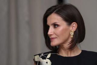 La imitación exacta del vestido más deseado de la Reina que podrá ser tuyo por muy poco