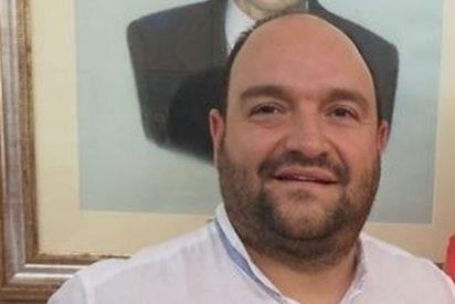 """Este es Ángel Mascarell, el concejal del 'pene' de Cayetana, y para parecer rojillo se ha inventado que a los 2 años corría """"delante de los grises"""""""