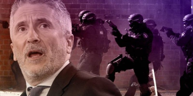 Marlaska 'politiza' la Policía: Interior falseó pasaportes de GEO enviados a Bolivia a 'neutralizar' testigos contra Podemos