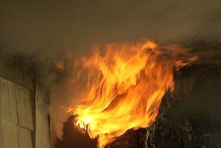 Muere una niña de año y medio en un incendio desatado al poner su madre una toalla en un brasero
