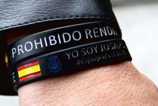 Tremendo zasca de un camarero a un cliente 'progre' que le criticó por llevar una bandera de España