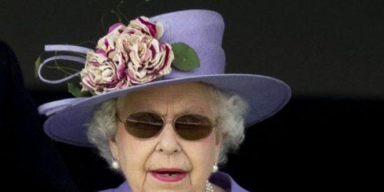¿Sabes la razón por la que la Reina Isabel II de Inglaterra exige siempre cubitos de hielo redondos?