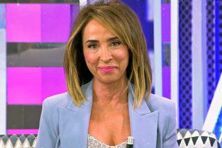 María Patiño lo vuelve a hacer y nos regala una de sus 'torpezas' al comunicarle que ha sido elegida mejor presentadora del 2019