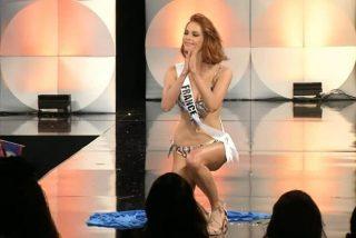 'Leches' Miss Universo: hasta cinco candidatas tropiezan y se la pegan en el desfile en bikini