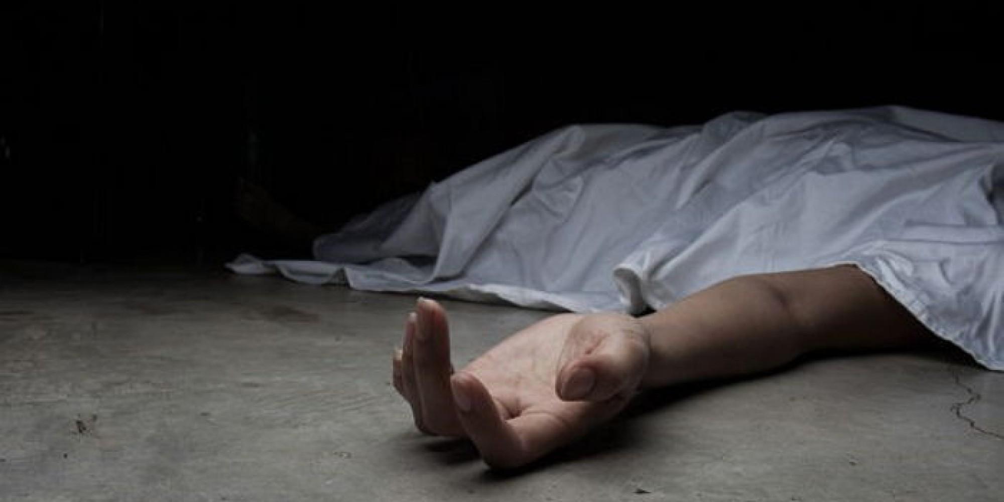 La mujer asesina a sus hijas de 5 y 6 años y después se va a la autopista y se suicida plantándose delante de un camión