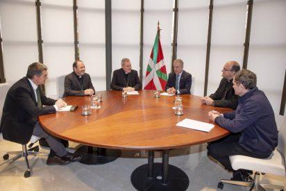 Urkullu y los obispos apuestan por el Pacto Social Vasco para la Migración