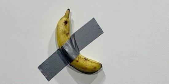 Pagan la friolera de 120.000 dólares por un plátano pegado a una pared en una exposición de arte