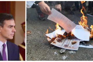 Los malabarismos de 'Fraude' Sánchez: dice apoyar la Constitución y negociar a la vez con quienes la queman en la hoguera