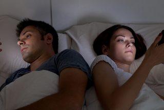 Así afectan las pantallas de los móviles a nuestro sueño ¡Evítalo!
