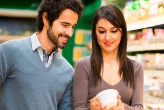 Así se lee la información nutricional de los envases ¡Que no te la peguen!