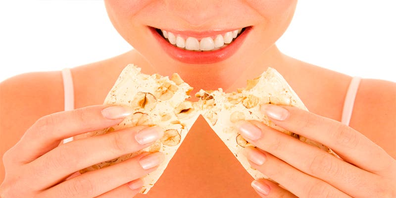 ¿Sabes cuánto azúcar aportan los polvorones, los turrones y el roscón?