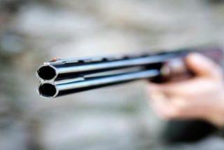 Accidente de caza: muere de un disparo en el pecho una chica de 22 años en Madrid