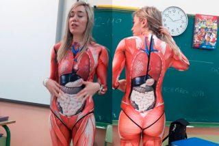 Verónica Duque en 'carne viva': la profesora que triunfa con un disfraz anatómico para enseñar el cuerpo humano a sus alumnos