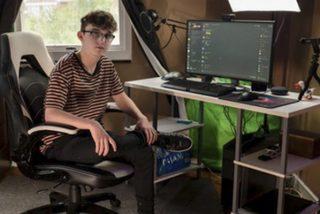 Este chico de 15 años ganó decenas de miles de dólares al construir un 'imperio de memes' y en un día lo perdió todo