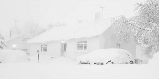 ¿Estampa navideña o Navidad estampada?: Esta ciudad de Islandia amanece cubierta de nieve tras una fuerte tormenta