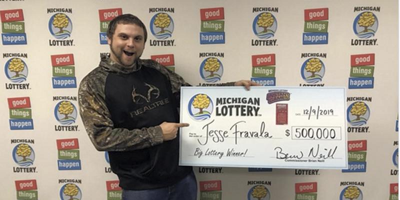 Este hombre sueña en tres ocasiones que gana 500.000 dólares a la lotería, compra boletos y gana ese premio