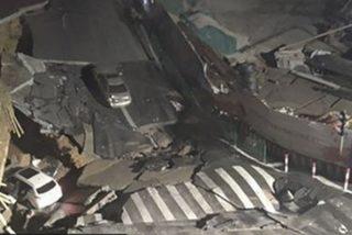 Este enrome agujero de 500 metros se abre en una carretera de China y 'se traga' dos coches