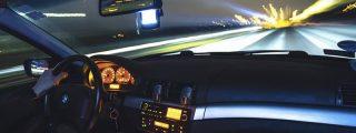 Las mentiras y leyendas urbanas más disparatadas que circulan en redes sobre la velocidad y los radares de la DGT