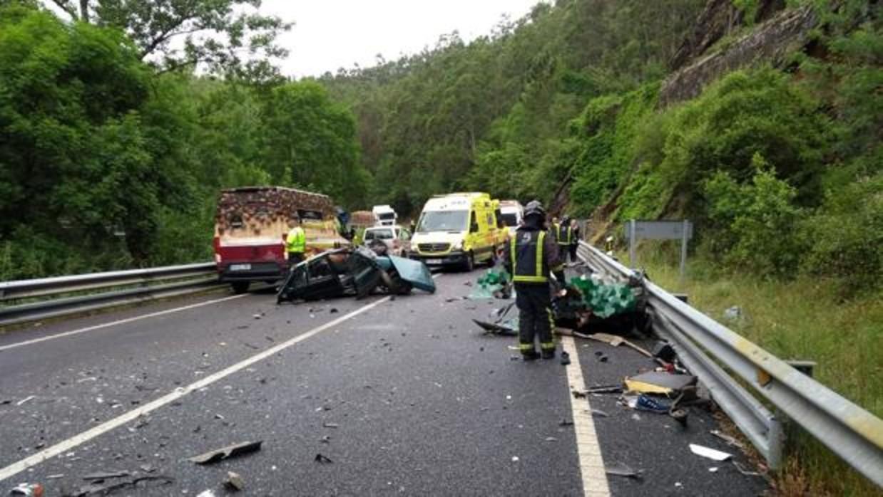 España rebasa la barrera psicológica de los mil muertos en carretera... y no ha terminado el año