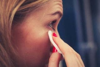 Los usos más inesperados del agua micelar en tu rutina de limpieza