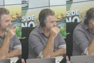 Alguien en Onda Cero se tira un pedo descomunal mientras habla Manuela Carmena y Alsina pide el VAR