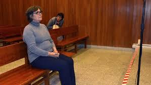 La alcaldesa de Porriño absuelta y tachada en la sentencia de indecente. El Colegio de abogados no hace nada, como la justicia de este país.