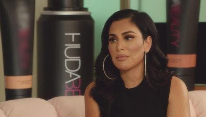 Huda Kattan fundadura de Huda Beauty marca más vendida belleza