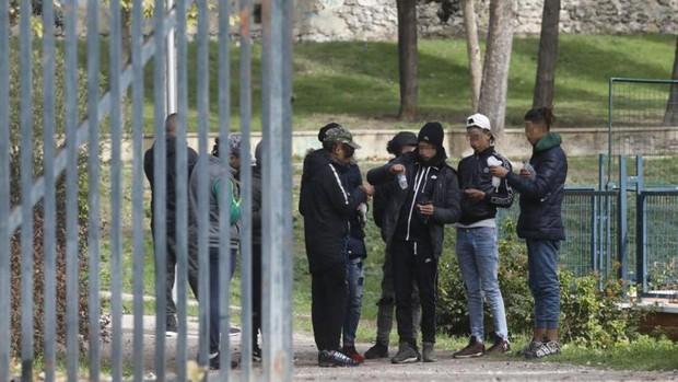 """Fiscalía admite que """"se ha ido de las manos"""" el tema de los menores inmigrantes y defiende la repatriación - Página 8 Menas-arturo-soria-kH7E-620x349@abc"""