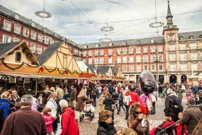 Condenado a tres años de 'destierro' por Carmena, regresa el belén a la Plaza Mayor