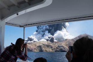 Nueva Zelanda: muerte bajo el volcán