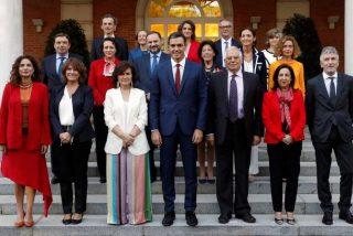 La novedosa propuesta legal de Vox que puede cargarse a la mitad de los Ministros de Pedro Sánchez