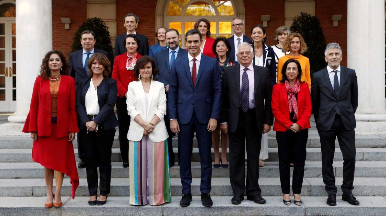 La novedosa iniciativa legal de Vox que puede cargarse a la mitad de los Ministros de Pedro Sánchez
