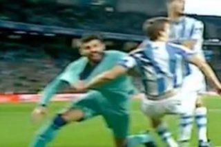 Piqué no tenía razón; reclamó penalti pero él agarró primero a Diego Llorente