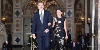 Reyes Felipe y Letizia - Premios Francisco Cerecedo © Casa S.M. El Rey