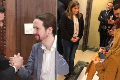 El 'gobierno de la transparencia' trata como a perros a los periodistas dejándolos en la puerta