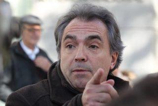 El cachorro de Torra, Santiago Espot, sigue con su acoso catanazi contra quienes le hablan en castellano: ahora la emprende contra un trabajador de El Corte Inglés