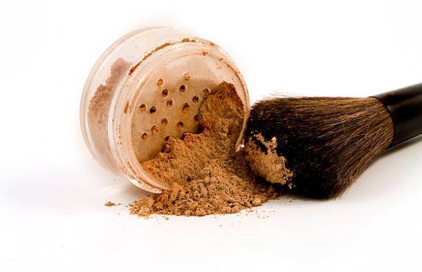 el talco forma parte de muchos cosméticos
